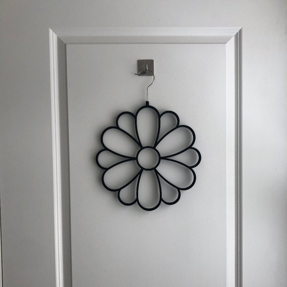 Flower Scarf/Belt Hanger